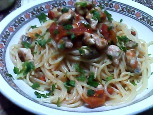 sughi a base di pesce,pesce,cefalo,spaghetti,pomodorini
